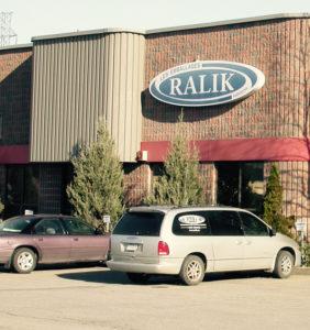 Nouveau local commercial de 11 000 pc à Laval pour Les Emballages Ralik en 2002