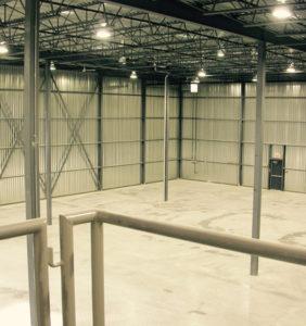 L'immense entrepôt de notre siège social à Blainville